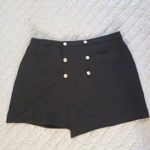 🆕 Forever 21+ black skirt